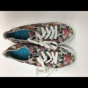Blowfish shoes size 7.5
